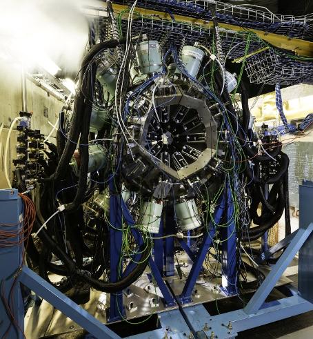 Le spectromètre nu-Ball sur l'installation ALTO à IJCLab détecte les rayons gamma émis lors des réactions de fission © CNRS/Luc Petizon